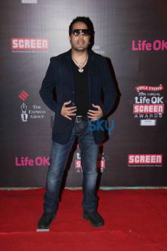 Mika Singh stuns at 20th Annual Sreen Awards 2014