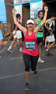 Neha Dhupia during Standard Chartered Mumbai Marathon