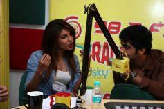 Priyanka Chopra Arjun Kapoor at Radio Mirchi