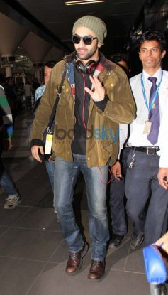 Ranbir Kapoor Snapped at Airport