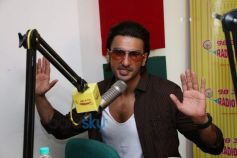 Ranveer Singh at Radio Mirchi for Gunday Music Premier