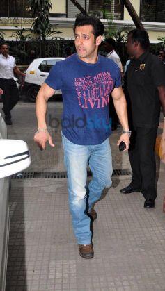 Salman Khan during Jai Ho screening for NGO kids at ketnav