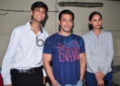 Salman Khan at Jai Ho screening for NGO kids at ketnav