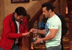 Salman Khan with Kapil Sharma at Comidy Nights with Kapil Show
