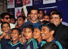 Salman Khan with NGO kids at ketnav