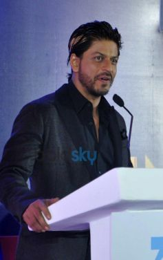 Shah Rukh Khan at press meet of Zee Cine Awards 2014
