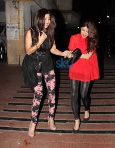 Shilpa and Shamita stunning look at Bipasha Birthday Celebration