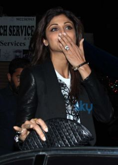 Shilpa Shetty In Black Jeggings & Coat