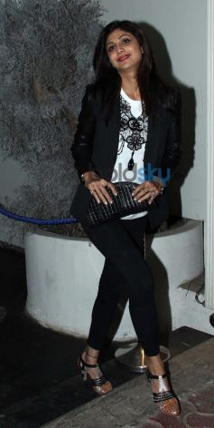 Shilpa Shetty snapped In Black Jeggings & Coat