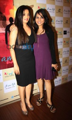Shraddha Soni wih friend during her book launch