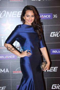 Sonakshi Sinha stuns during GiMA Awards 2014