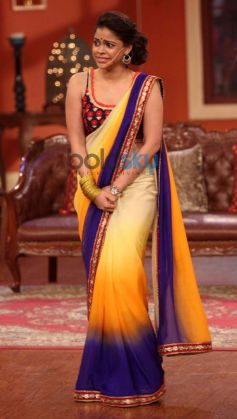 Sumona Chakravarti during Comidy Nights with Kapil Show