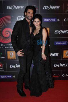 Sunny Leone stuns at GiMA Awards 2014