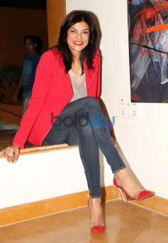 Sushmita Sen at Rouble Nagi Art Foundation