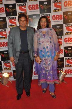 Television Stars Looks stunning at Sab Parivaar Awards 2014