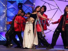 Vani Kapoor dance at Mumbai Police's Umang 2014