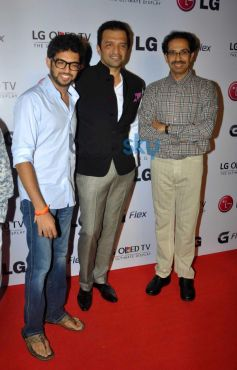 Aditya and Dhav Thackrey at Atul kasbekar's photo Exhibition