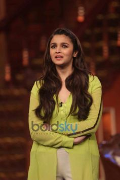 Alia Bhatt at Comidy Night during Highway Promotion