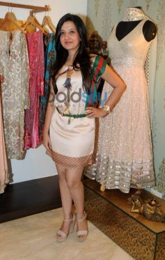 Amy Billimoria desings costume for Mahi Gill