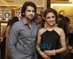 Arjan Bajwa and Aarti Chabria at Launch of Cappuccino Jewellery Store