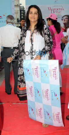 Bollywood celebs at Lavasa Women's Drive 2014