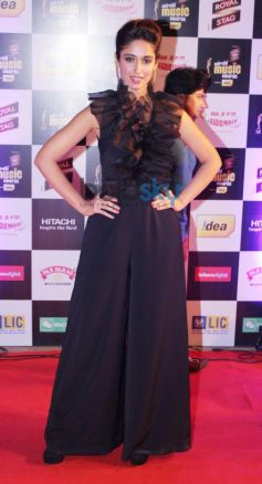 Ileana D'cruz stuns at Mirchi Music Awards 2014
