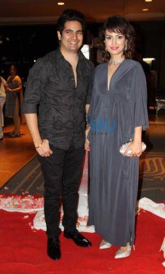 Karan Mehra and Nisha Rawal stuns at Siddarth Kannan Wedding Reception