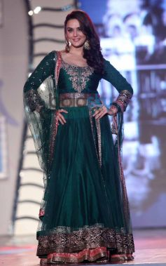Preity Zinta walk for Manish Malhotra Event