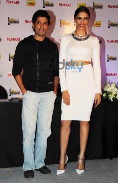 Deepika & Farhan Akhtar during Filmfare cover page launch