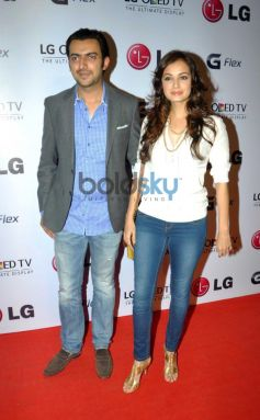 Dia Mirza and Sahil Sangha at Atul kasbekar's photo Exhibition