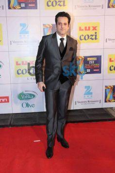 Fardeen Khan stuns at Zee Cine Awards 2014