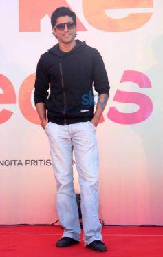 Farhan Akhtar stuns during SKSE Promotion