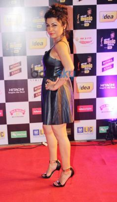 Hard Kaur stuns at Mirchi Music Awards 2014