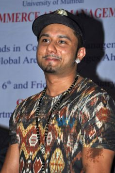 Honey Singh launches book Top Celebrity Brands
