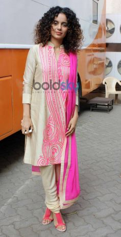 Kangana Ranaut stuns at Mehboob Studio