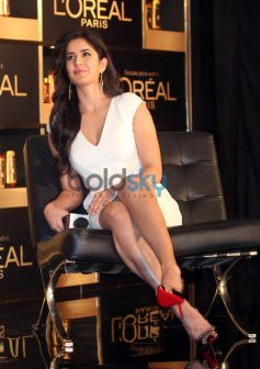 Katrina Kaif at new hair care range 6 Oil Nourish launch