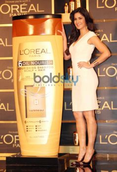 Katrina Kaif during new hair care range 6 Oil Nourish launch