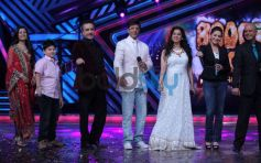 Madhuri Dixit and Juhi Chawla at Boogie Woogie show