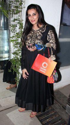Manna Shetty at Simon Khan Arora Birthday Celebration