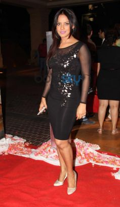 Neetu Chandra stuns at Siddarth Kannan Wedding Reception