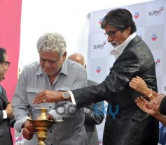 Om Puri and Amitabh Bachchan on stage during Inauguration