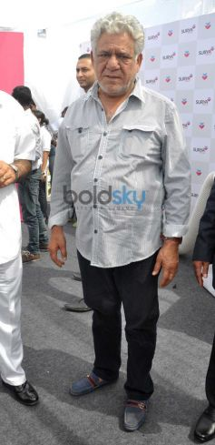 Om Puri at Surya Child Care's Hospital Inauguration