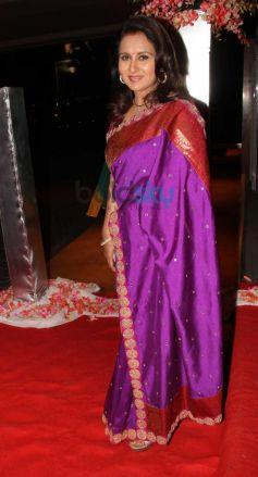 Poonam Dhillon stuns at Siddarth Kannan Wedding Reception