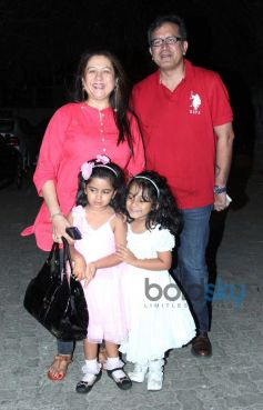 Preeti Saproo with husband and daughters at Highway Special Screening