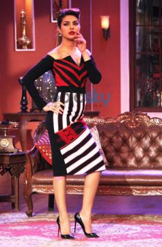 Priyanka Chopra stuns at Comidy Nights with Kapil show