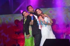 Rani Mukerji, SRK and Madhuri Dixit Nene perform for Temptation Reloaded 2014 Malaysia