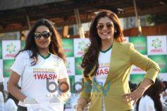 Rituparna Sen Gupta and  Raveena Tondon at Ariel Event