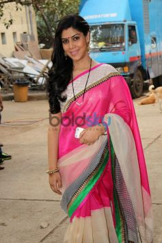 Sakshi Tanwar at Bade Achhe Lagte Hain sets