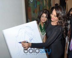 Sonakshi Sinha art during Painting Exhibition of Neeraj Goswami