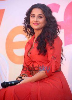 Vidya Balan stuns in red costume during SKSE Promotion